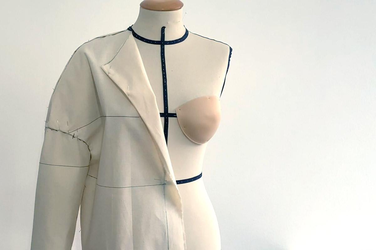 giacca-maxi-con-giromanica-sceso